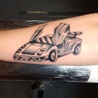 dolorian-car-faye-sydney-tattoo